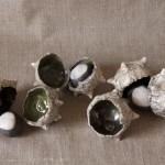 « Bogues » raku, terre cuite émaillée, sept pièces de 7 cm