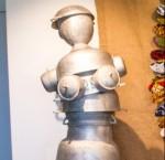 « Vénus de Conakry » aluminium, 200 cm